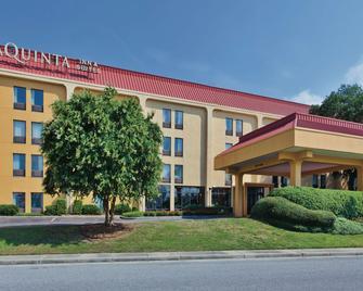 La Quinta Inn & Suites by Wyndham Charleston Riverview - Charleston - Building