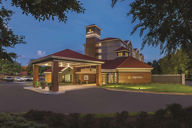 La Quinta Inn & Suites by Wyndham Atlanta Alpharetta - Alpharetta - Κτίριο
