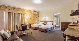 Highlander Motor Inn - Toowoomba - Bedroom