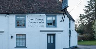 The Fleur De Lys Inn - Wimborne - Building