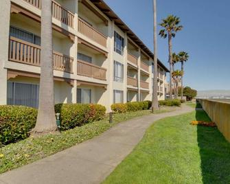 Vagabond Inn Executive San Francisco Airport - Burlingame - Gebouw
