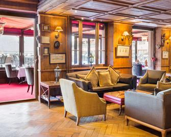 Les Violettes Hotel & SPA Alsace, BW Premier Collection - Guebwiller - Lounge