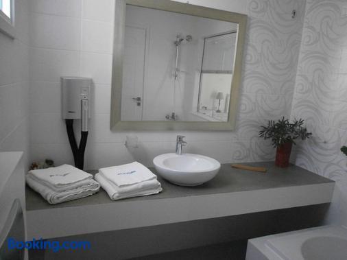 Alkyoni Beach Hotel - Naxos - Phòng tắm