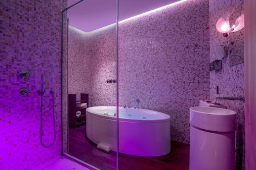 SuiteSistina for Lovers - Rome - Bathroom