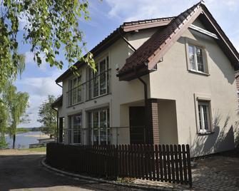 Pensjonat Vertigo Narie - Моронг - Building