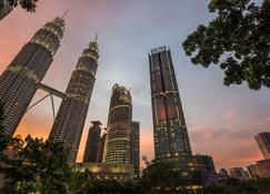 Four Seasons Hotel Kuala Lumpur - Kuala Lumpur - Building