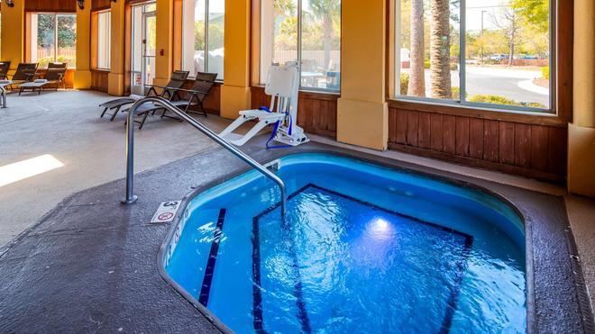Best Western Plus Wilmington/Carolina Beach - Wilmington - Pool