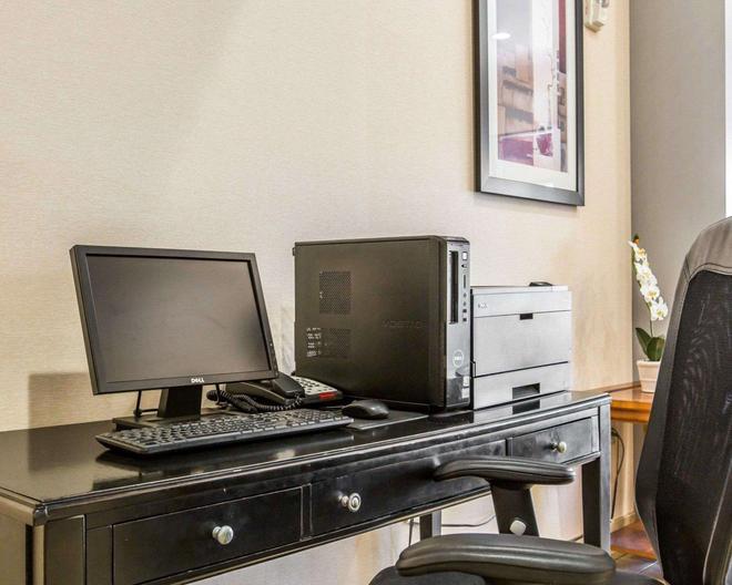 Comfort Suites Near City of Industry - Los Angeles - La Puente - Business Center