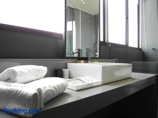Hotel Rêve Taichung - Taichung - Bathroom