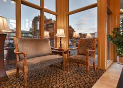 Best Western Plaza Inn - Pigeon Forge - Living room