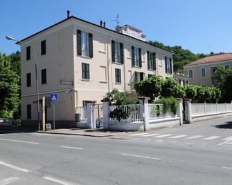 Albergo Belvedere - Acqui Terme - Building