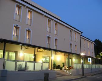 Hotel Fontanelle - Bertinoro - Gebouw