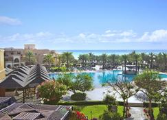 Miramar Al Aqah Beach Resort - Dibba Al-Fujairah - Pool