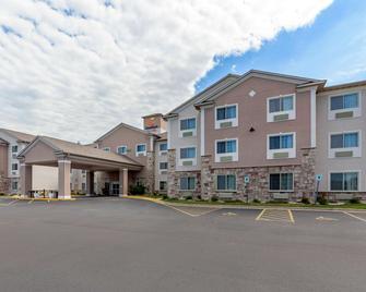 Comfort Suites Delavan - Lake Geneva Area - Delavan - Building