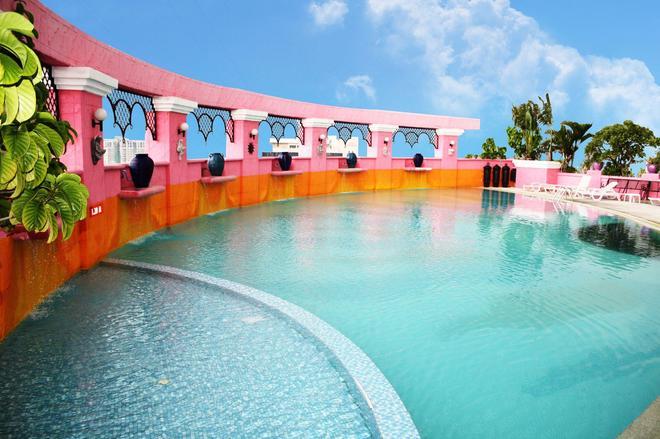Baiyoke Sky Hotel - Bangkok - Pool
