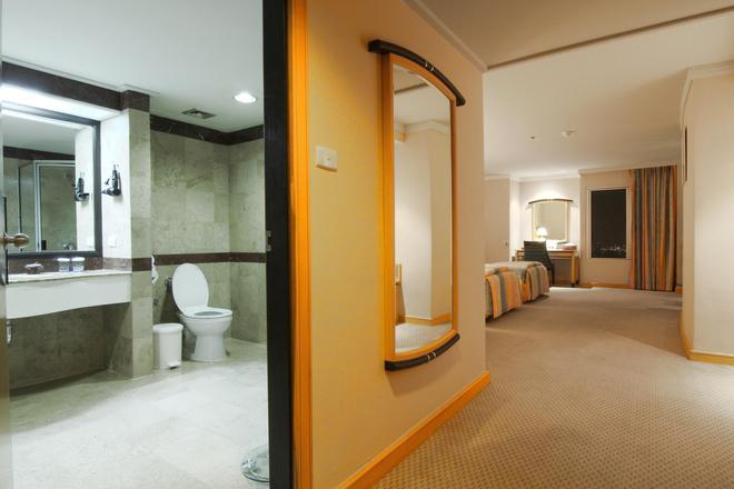 Baiyoke Sky Hotel - Bangkok - Badrum