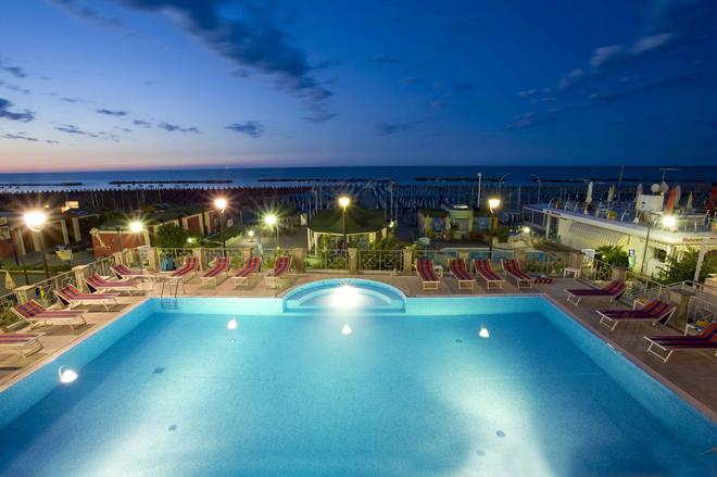 Hotel Sayonara - Cattolica - Uima-allas