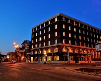 Grant Hall Hotel - Moose Jaw - Building