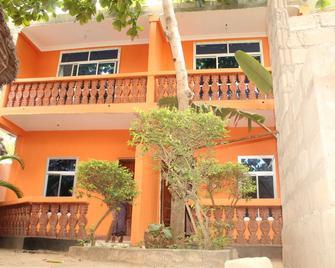 Pwani Vanilla House & Restaurant - Pwani Mchangani - Building