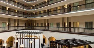 Embassy Suites by Hilton Dallas Love Field - דאלאס - לובי