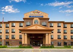 Baymont Inn & Suites by Wyndham Sturgis - Sturgis - Building