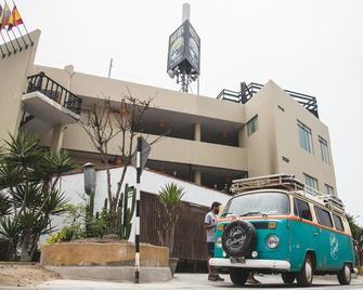 Hotel La Planicie de Pico Alto - Punta Hermosa - Edificio