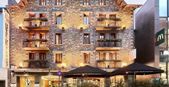 Hotel de l'Isard - Andorra la Vieja - Edificio