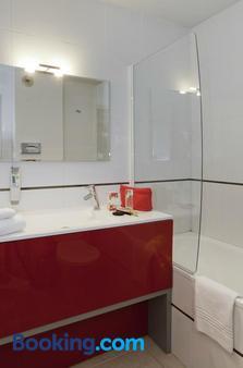 ibis Styles Annecy Gare Centre - Annecy - Bathroom