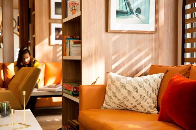 艾菲爾特倫酒店 - 巴黎 - 巴黎 - 櫃檯