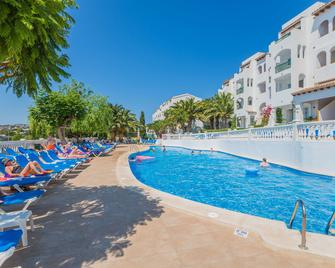 Aparthotel Holiday Center - Santa Ponça - Piscina