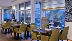 Radisson Blu Belorusskaya Hotel, Moscow - Moscow - Restaurant