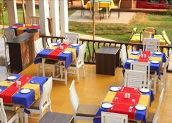 Paparazzi Resort - กาลันกุ้ท - ร้านอาหาร