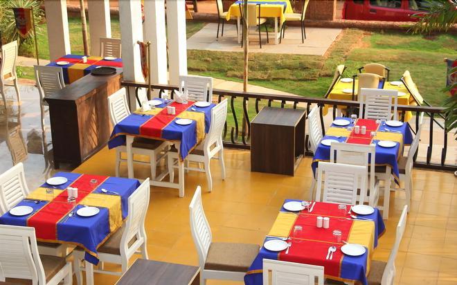 Paparazzi Resort - Calangute - Εστιατόριο