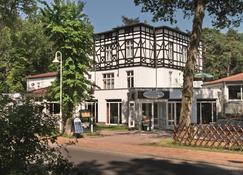 Best Western Plus Ostseehotel Waldschlösschen - Prerow - Edificio