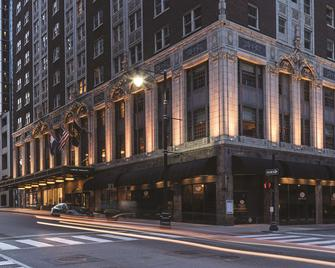 Hotel Phillips Kansas City, Curio Collection by Hilton - Kansas City - Building