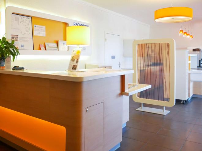 Ibis Budget Narbonne Sud - Narbonne - Building
