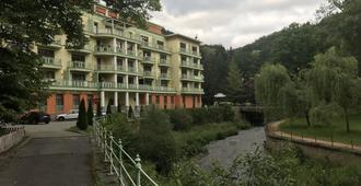 斯魯奈斯拉茲內酒店 - 卡羅維發利