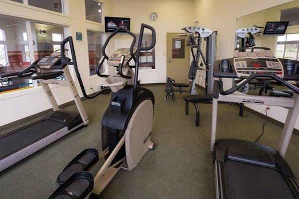 Service Plus Inns & Suites Calgary - Calgary - Gym