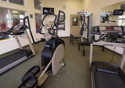 Service Plus Inns & Suites Calgary - Calgary - Gym