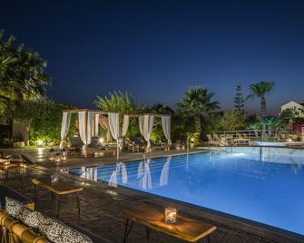 Avithos Resort Apartments Hotel - Svoronáta - Pool