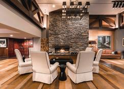 Hotel St Moritz Queenstown - MGallery - Queenstown - Lounge
