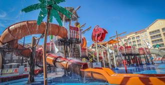 西門假期別墅渡假村 - 基西米 - 基西米 - 游泳池