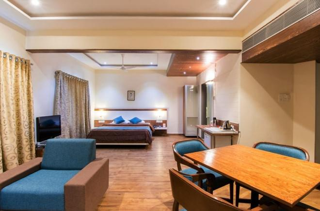 The Westend Hotel - Ahmedabad - Phòng ngủ