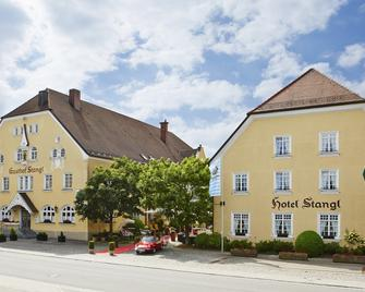 Hotel Gutsgasthof Stangl - Vaterstetten - Building