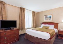 Hawthorn Suites by Wyndham Lancaster - Lancaster - Makuuhuone