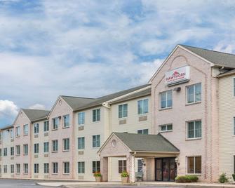Hawthorn Suites by Wyndham Lancaster - Ланкастер - Building