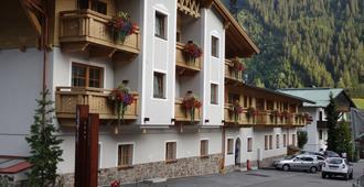 Apart-Hotel San Antonio - Sankt Anton am Arlberg - Building