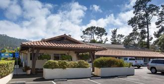 Days Inn by Wyndham Monterey-Fisherman's Wharf Aquarium - Monterey - Building
