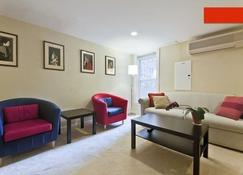 3Beds/Parking in the Heart of Dupont - D.C - Washington - Living room