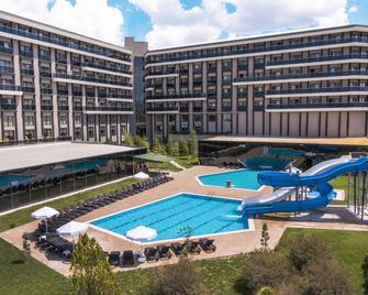 May Thermal Resort Spa Hotel - Sandikli - Piscina